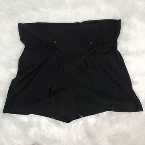 BCBG GENERATION BLACK DRESS SHORTS WOMEN'S SIZE 12